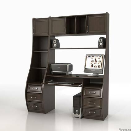 Компьютерный стол со стеллажом.